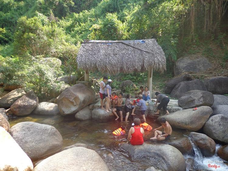 Du Lịch Sinh Thái Ngầm Đôi ở Đà Nẵng