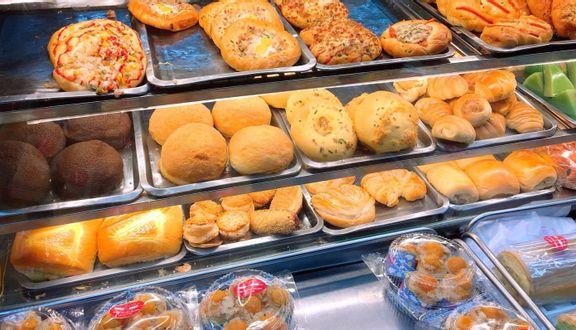 Tiệm Bánh Mì Những Chàng Trai - Thống Nhất