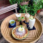 cafe kem + chanh tuyết + bánh waffle