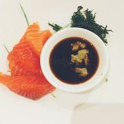 Ui , cá hồi sashimi ăn sướng luôn