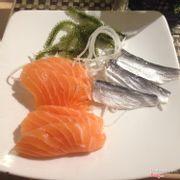 sashimi cá hồi - cá trích