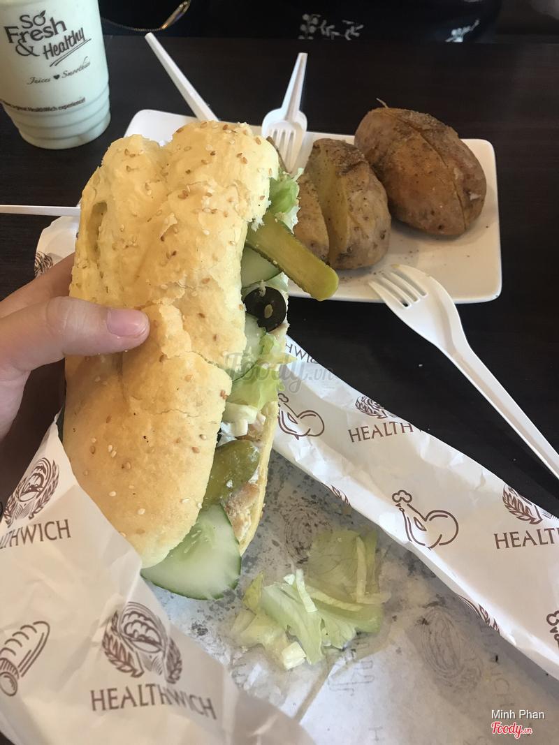 Bánh mì gà nướng + khoai tây nướng