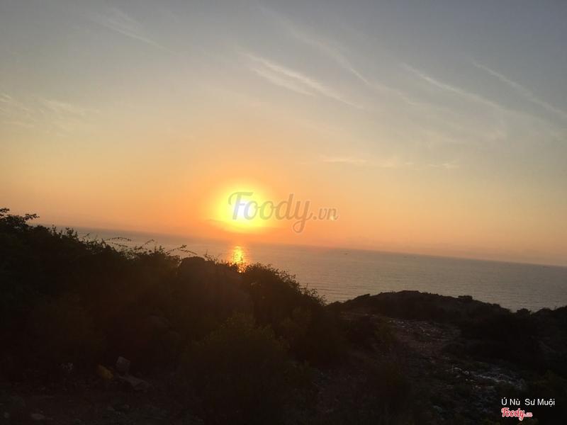Mặt trời mọc trên đảo