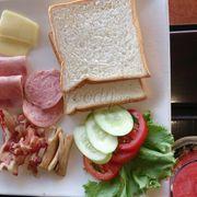 sandwich thịt nguội