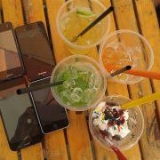 Hình ảnh mang tính chất khoe điện thoại :)