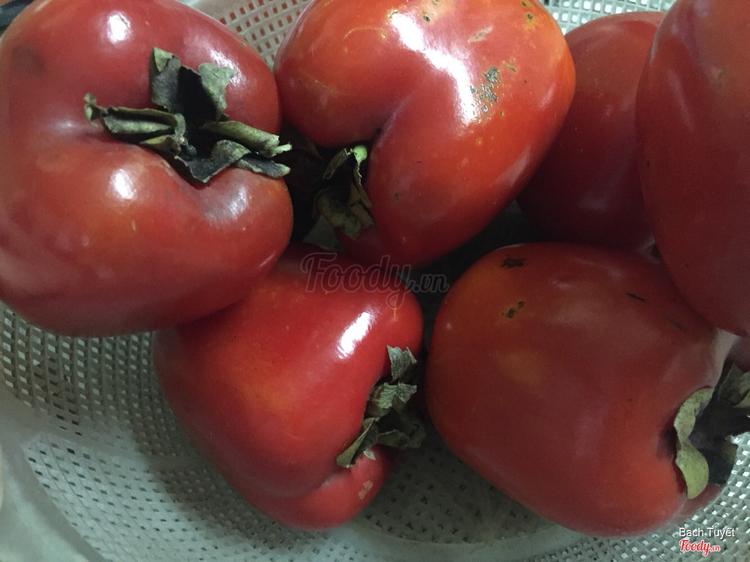 Hồng đỏ (quả nào quả đấy đều rất to và đều nhau)