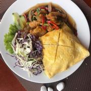 Cơm gà sốt Thái