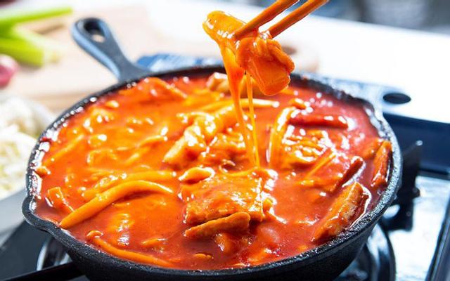Yuha & Shin - Bánh Gạo Cay Tokbokki