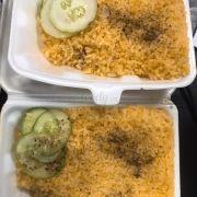 Cơm nóng , hạt gạo dẽo rất dễ ăn