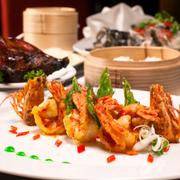 Các món ăn tươi ngon, chế biến tinh tế hấp dẫn, trình bày đẹp