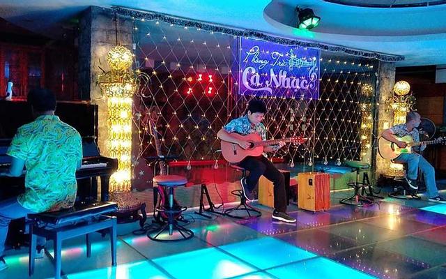Dạ Lan - Phòng Trà Ca Nhạc