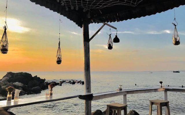 The Rock Corner Beach Bar & Fast Food