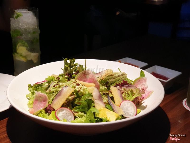 Salad cá trích với nguyên liệu siêu tươi