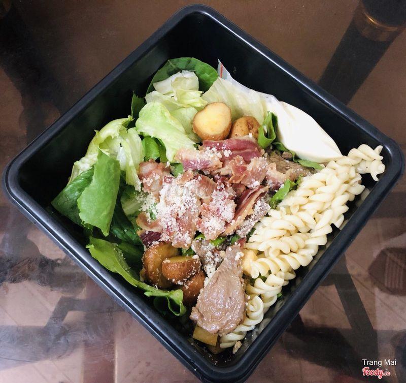 Caesar beef salad (119k)