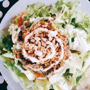 Salad bò. Nhờ có salad mà ăn k bị ngán