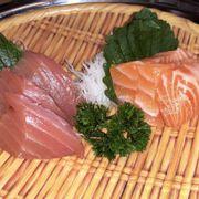 Sashimi cá ngừ & cá hồi