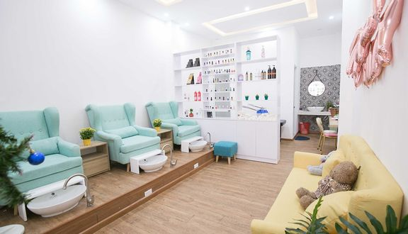 AT Nails - Nối Mi & Spa