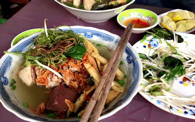 Bún Măng Vịt, Miến Gà & Bún Bò Huế