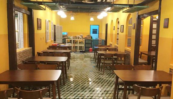 Nội thất nhà hàng nhỏ đơn giản, dễ lau chùi