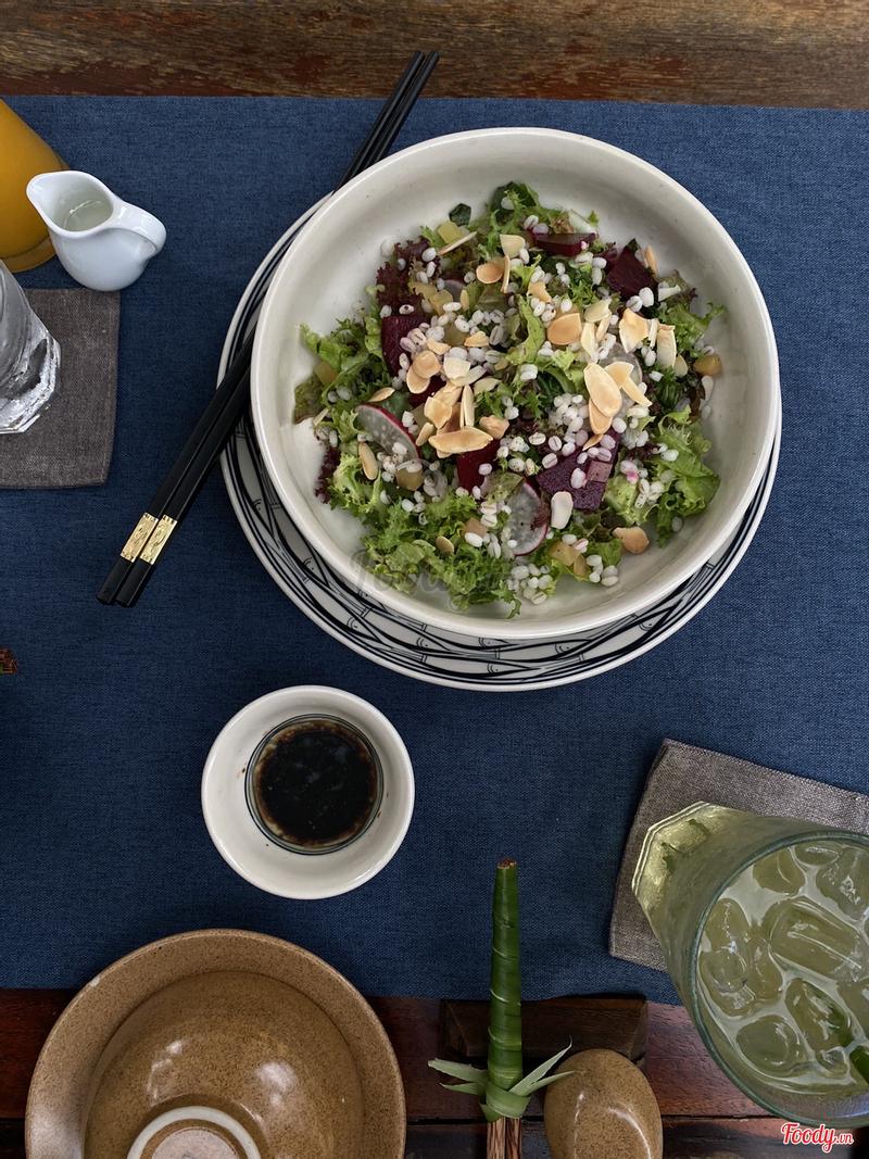 Salad hạt ý dỹ sốt Balsamic