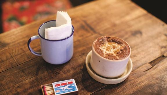 Ngồi Cafe - Lê Thị Bay