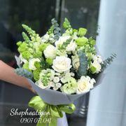 Bó hoa hồng trắng mix mõm soái