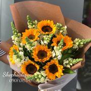 Bó hoa hướng dương đơn giản