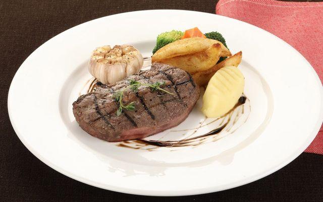 Le Monde Steak - Trung Hòa