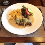 Chọn một địa điểm ăn trưa yên tĩnh với món ăn ngon và phục vụ tốt thì mình thích tới 48 Bistro nhất, mọi thứ ở đây đối với mình đều Good!! 👌🏻