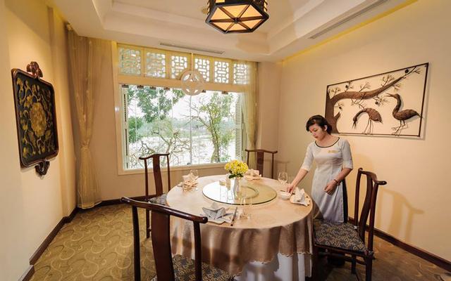 Lục Thuỷ Restaurant