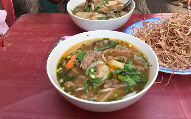 Điểm Tâm Sáng, Bún Bò Huế & Bò Bít Tết