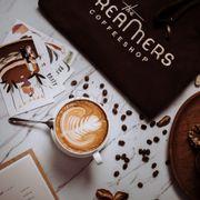 Ở The Dreamers, tụi mình vẫn đang chuẩn bị thêm thật nhiều nước ngon và bánh thơm để chờ mọi người ghé chơi nhen. 🌿🌿🌿