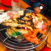 Đồ nướng vs đủ loại thịt và hải sản nha