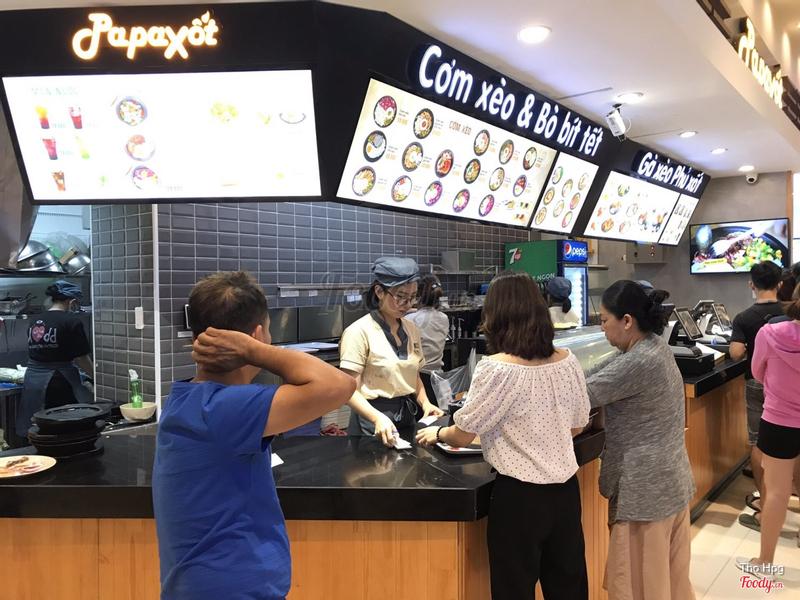 Nhân viên giao đồ ăn 