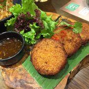Bánh nhân cua kiểu Thái