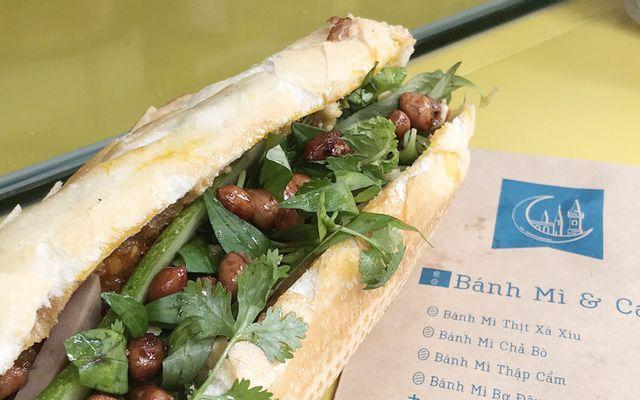 MOW - Coffee & Bánh Mì