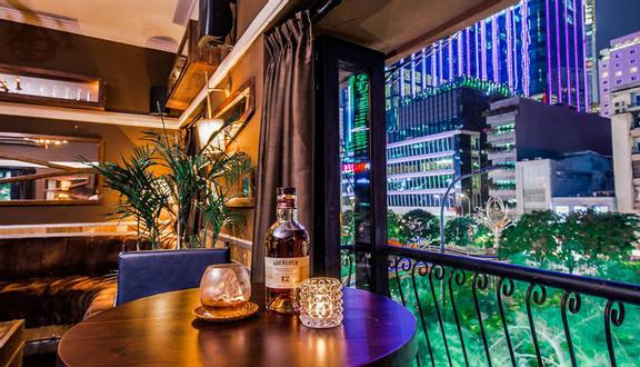 Below - Whisky Bar