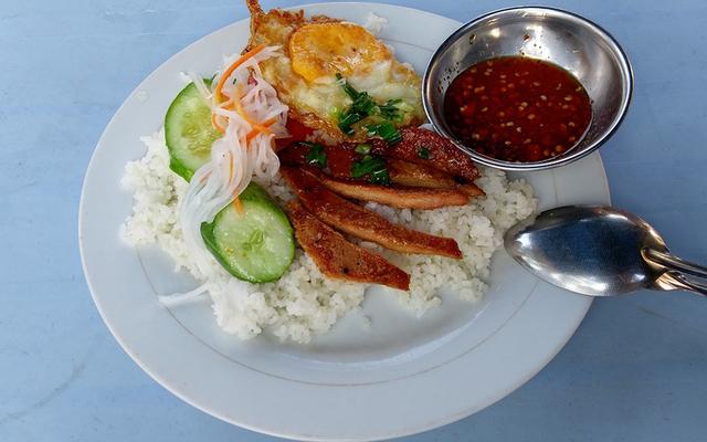 Hoàng Vân - Cơm Tấm & Bún Thịt Nướng