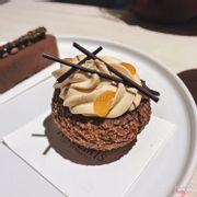 Passion & Apricot Tea Mousse Choux