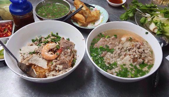 Sủi Cảo & Hủ Tiếu Mì - Nguyễn Chí Thanh