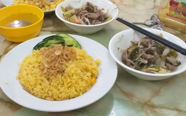 Hoàng Huệ - Cơm Rang & Bún Bò Trộn - Mậu Lương