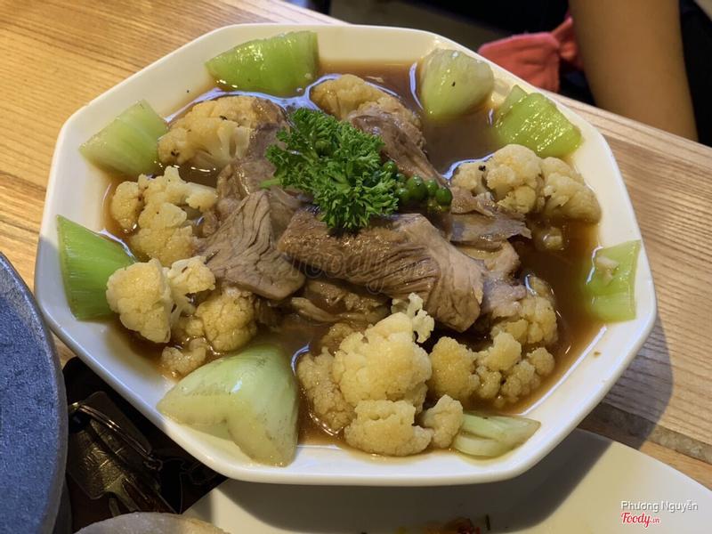Bò nấu tiêu xanh kèm rau củ