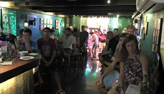 Prague Pub - Lương Ngọc Quyến