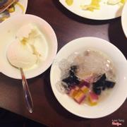 Chè và kem sữa dừa