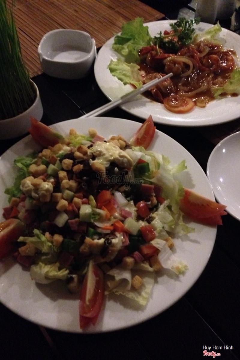 @huy@ceasar salad@tôm rang me