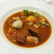 Bò Úc nấu nấm - cà rốt