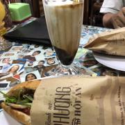 Special bánh mì & café dừa