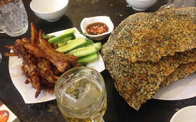 Chân Gà Nướng & Bánh Mì Mật Ong