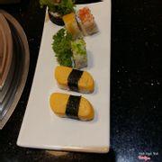 sushi ăn điểm tâm