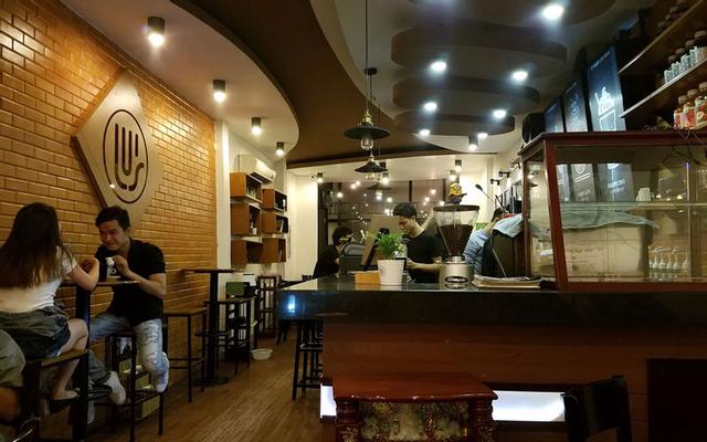 Lu's Coffee - Phạm Hùng